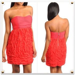 Dresses & Skirts - 🆑 Red Strapless Mini Dress